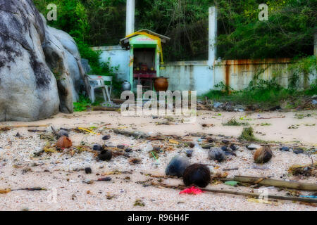 This shocking photo shows the totally plastic littered beach of Hua Hin in Thailand. These are the original beaches of Thailand land of garbage - Stock Photo
