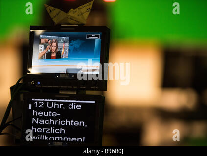 Mainz, Germany. 31st Aug, 2018. Nicole Diekmann, ZDF capital correspondent, can be seen on the monitor of a studio camera. The Second German Television (ZDF) is one of the largest public broadcasters in Europe with its headquarters in Mainz, the capital of Rhineland-Palatinate. Credit: Andreas Arnold/dpa/Alamy Live News - Stock Photo