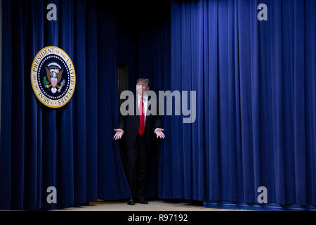 US President Donald Trump arrives before signing the Farm Bill into law at the White House in Washington, DC on December 20, 2018. Credit: Alex Edelman/CNP /MediaPunch - Stock Photo