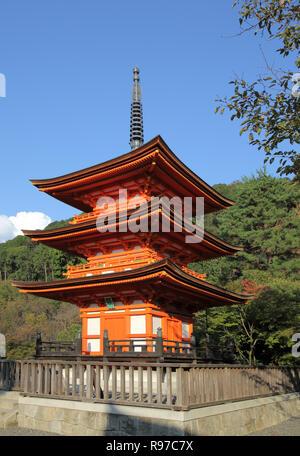 the kiyomizu-dera temple standing high above kyoto japan - Stock Photo