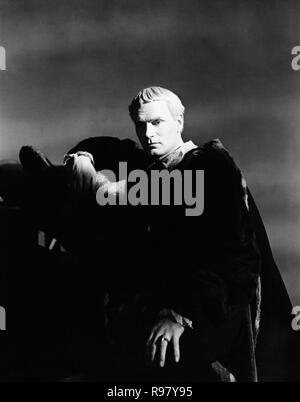 Original film title: HAMLET. English title: HAMLET. Year: 1948. Director: LAURENCE OLIVIER. Stars: LAURENCE OLIVIER. Credit: TWO CITIES/RANK / Album - Stock Photo