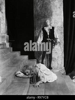 Original film title: HAMLET. English title: HAMLET. Year: 1948. Director: LAURENCE OLIVIER. Stars: JEAN SIMMONS; LAURENCE OLIVIER. Credit: TWO CITIES/RANK / Album - Stock Photo