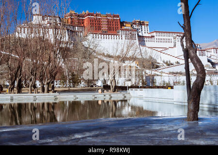 Lhasa, Tibet Autonomous Region, China : Potala palace. First built in 1645 by the 5th Dalai Lama, the Potala was the residence of the Dalai Lama until - Stock Photo