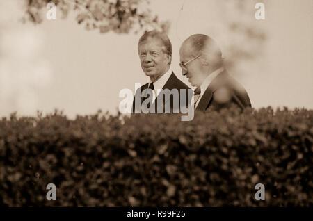 President Jimmy Carter and Israeli Prime Minister Menachem Begin at the White House, Washington, D.C.. 1980 Apr. 15 - Stock Photo