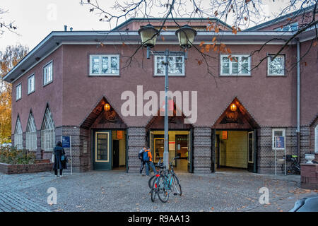 Berlin-Wannsee railway station entrance. Important junction in the commuter transport network serving the S-bahn and Deutsche Bahn train services.     - Stock Photo