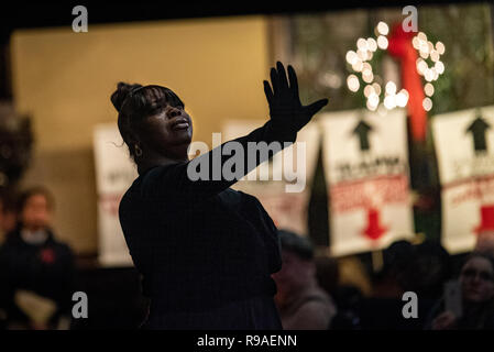 Philadelphia, USA. 20th December, 2018. Hundreds gather for the annual Homeless Memorial in Arch St United Methodist Church. Over two hundred names of homeless people who died throughout the year were read out during a moving candle-lit service. Photo Credit: Chris Baker Evens. December 20 2018. Credit: Christopher Evens/Alamy Live News - Stock Photo