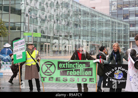 Salford, UK. 21st Dec, 2018. Extinction Rebellion campaigners from Teeside join campaigners at the BBC, Media City, Salford, UK. 21st Dec, 2018. (C)Barbara Cook/Alamy Live News Credit: Barbara Cook/Alamy Live News - Stock Photo