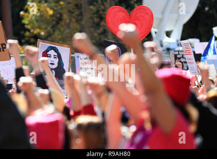 New York, USA. 20th Jan, 2018. Demonstrators rally near the city hall during the Women's March in Los Angeles, the United States, on Jan. 20, 2018. Credit: Li Ying/Xinhua/Alamy Live News - Stock Photo