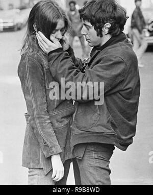 Original film title: THE PANIC IN NEEDLE PARK. English title: THE PANIC IN NEEDLE PARK. Year: 1971. Director: JERRY SCHATZBERG. Stars: AL PACINO; KITTY WINN. Credit: GADD PRODUCTIONS / Album - Stock Photo