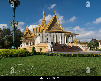 The magnificent Throne Hall containing the Throne Room Royal Palace Phnom Penh Cambodia Asia in Royal Palace Gardens - Stock Photo