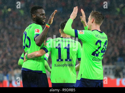 Stuttgart, Germany. 22nd Dec, 2018. Players of Schalke 04 celebrate scoring during the Bundesliga match between VfB Stuttgart and FC Schalke 04 in Stuttgart, Germany, on Dec. 22, 2018. Schalke 04 won 3-1. Credit: Philippe Ruiz/Xinhua/Alamy Live News - Stock Photo