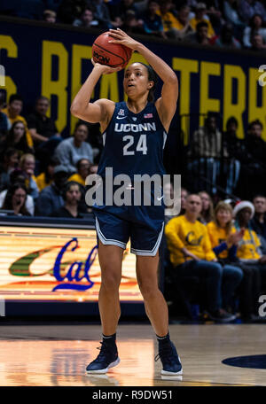 Hass Pavilion Berkeley Calif, USA. 22nd Dec, 2018. U.S.A. during the NCAA Women's Basketball game between Connecticut Huskies and the California Golden Bears 76-66 win at Hass Pavilion Berkeley Calif. Thurman James/CSM/Alamy Live News - Stock Photo