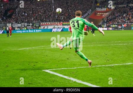 Frankfurt, Germany. 22nd Dec, 2018. Kevin TRAPP, FRA 31 kicks the ball, Symbol, Illustration, Feature, Duel symbol football legs, calves, socks, football boots, action, EINTRACHT FRANKFURT - FC BAYERN MUNICH 0-3 - DFL REGULATIONS PROHIBIT ANY USE OF PHOTOGRAPHS as IMAGE SEQUENCES and/or QUASI-VIDEO - 1.German Soccer League, in Frankfurt, December 22, 2018 Season 2018/2019, matchday 17, FCB, München, Credit: Peter Schatz/Alamy Live News - Stock Photo