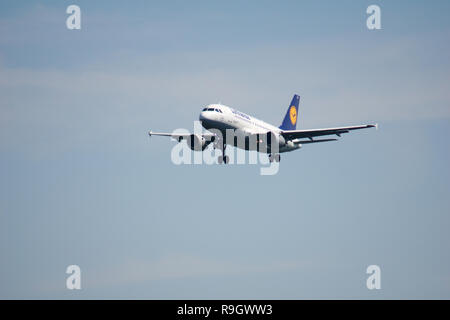 FRANKFURT, GERMANY - JUN 09th, 2017: Lufthansa Airbus A319-100 old livery with registration D-AILR on short final, approach runway at Frankfurt airport - Stock Photo