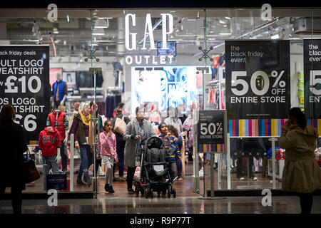 LOWRY Outlet Mall shopping centre at MediacityUK in Salford Quays, family shopping inside Gap Outlet - Stock Photo