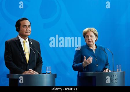 26.11.2018, Berlin - Bundeskanzlerin Angela Merkel und der thailaendische Ministerpraesident General Prayut Chan-o-cha. 00R181128D009CARO.JPG [MODEL R - Stock Photo