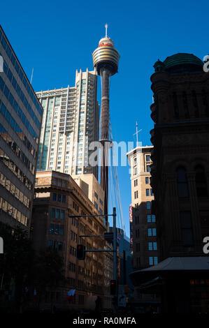 06.05.2018, Sydney, New South Wales, Australien - Ein Blick auf den Sydney Tower, dem hoechsten Bauwerk der Stadt und dem zweithoechsten Fernmeldeturm - Stock Photo