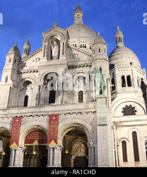 """Paris, France. 22nd Dec, 2018. View of the exterior of the Basilica.Basilica of the Sacred Heart of Paris, more commonly known as Sacré-CÅ""""ur, is an architectural Roman Catholic Church found in Montmartre, Paris. Its construction began in the late 18th century and was completed in the early 19th century. Credit: Keith Mayhew/SOPA Images/ZUMA Wire/Alamy Live News - Stock Photo"""