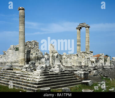Turkey. Didyma. Temple of Apollo. It was built in the 6th century BC, but destroyed by the Persians to punish the Milletans for their rebellion. In 334 BC Alexander the Great liberated the cities of Ionia and ordered the enlargement of the temple. General view of the ruins. Hellenic period. Anatolia. - Stock Photo