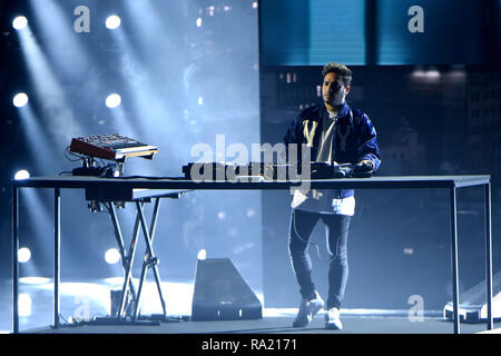 Jonas Blue and Liam Payne perform on the 6th episode of 'X Factor Italy series 12'  Featuring: Jonas Blue Where: Milan, Italy When: 29 Nov 2018 Credit: IPA/WENN.com  **Only available for publication in UK, USA, Germany, Austria, Switzerland** - Stock Photo
