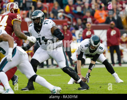 Landover, MD, USA. 30th Dec, 2018. Philadelphia Eagles QB #9 Nick Foles recovers a bad snap during a NFL football game between the Washington Redskins and the Philadelphia Eagles at FedEx Field in Landover, MD. Justin Cooper/CSM/Alamy Live News - Stock Photo