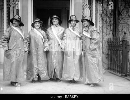 Woman suffrage picketers ca. 1917 - Stock Photo