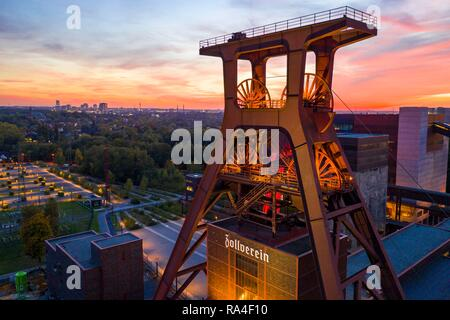 Welterbe Zeche Zollverein in Essen, Doppelbock pithead of shaft 12, Ruhrmuseum in the building of the former coal washing plant, - Stock Photo