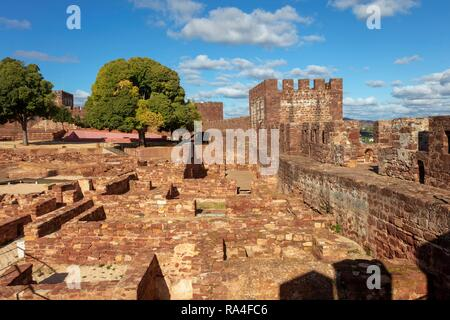 Moorish castle, fort, Silves, Algarve, Portugal - Stock Photo