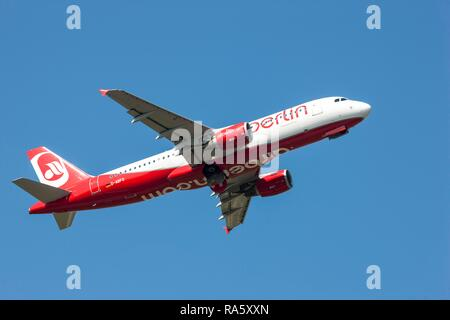 Air Berlin, Airbus A320-214, after taking off from Duesseldorf Airport, North Rhine-Westphalia - Stock Photo