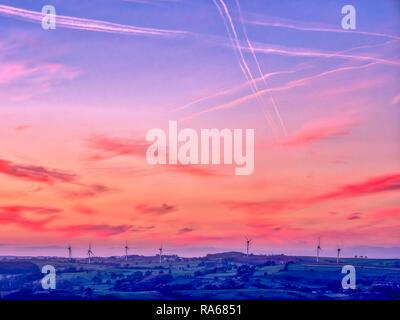 Wirksworth, Derbyshire, UK. 1st January, 2019. UK Weather: spectacular first sunset of 2019 wind turbines near Brassington / Wirksworth Derbyshire Credit: Doug Blane/Alamy Live News - Stock Photo