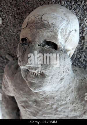 A victim of the ashfall, Garden of the Fugitives, Pompeii, Campania, Italy, Europe - Stock Photo