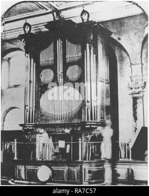 The organ case and organ gallery at the west-end of the church of St Clement, Eastcheap, London, before the renovation of the church by William Butterfield in 1872, when the organ and gallery were removed from their west-end location. Photographer, unknown. - Stock Photo