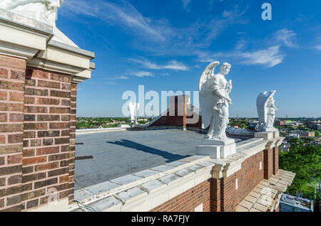 Statues on the roof of St. Mary of the Angels church - Stock Photo