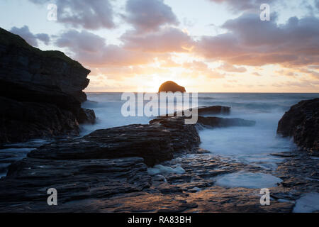 Late summer sunset at Trebarwith Strand, Cornwall, UK - Stock Photo