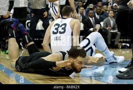 Memphis, United States. 02nd Jan, 2019. Detroit Pistons Blake Griffin (F) reacts after drawing an offensive foul on Memphis Grizzlies (B) at FedExForum in Memphis, Tennessee, USA, 2 January 2019. Credit: Mike Brown/EFE/Alamy Live News - Stock Photo