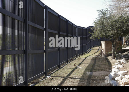 January 13, 2018 - The U.S.-Mexico border fence is seen in Brownsville, Texas on January 13, 2018. Credit: David Ryder/ZUMA Wire/Alamy Live News - Stock Photo