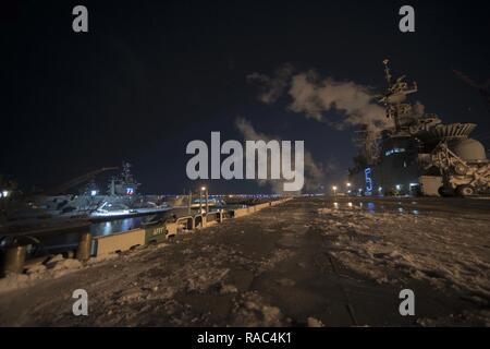 NORFOLK, Va. (Jan. 10, 2017) – View from the flight deck of the amphibious assault ship USS Bataan (LHD 5)  as the ship's crew prepares to get underway. - Stock Photo