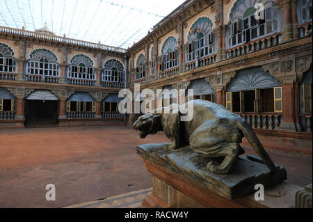 Inner courtyard with cast iron lion inside royal Mysore Palace, constructed between 1897 and 1912, Mysore, Karnataka, India, Asia - Stock Photo