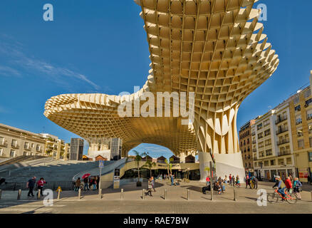 METROPOL PARASOL ENCARNACION SQUARE  SEVILLE SPAIN EARLY MORNING THE ROOF STRUCTURE AND SURROUNDING HOUSES