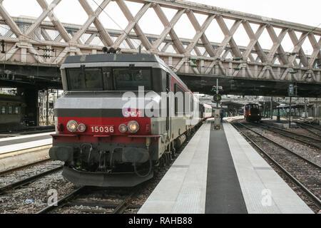 PARIS, FRANCE - AUGUST 11, 2006: international overnight Passenger Train ready for departure in Paris Gare de l'Est train station, belonging to SNCF c - Stock Photo