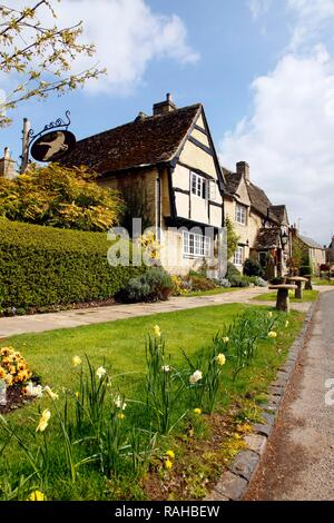 Old Swan and Minster Mill historic hotel and restaurant in Minster Lovell, Oxfordshire, Great Britain, Europe - Stock Photo
