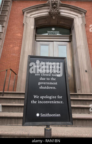 Washington, DC, USA.  4th January, 2019. Sign at closed Renwick Gallery near the White House alerts would-be visitors that all Smithsonian Museums are closed because of the government shutdown.  The zoo and museums had been open during the partial shutdown, which began Dec. 22, but funding ran out Jan. 2. Bob Korn/Alamy Live News - Stock Photo
