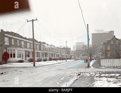 Lancaster, Pennsylvania - Housing. Homes of linoleum workers near plant (plant in distance) - rental $22.00 - $25.00 reimagined - Stock Photo