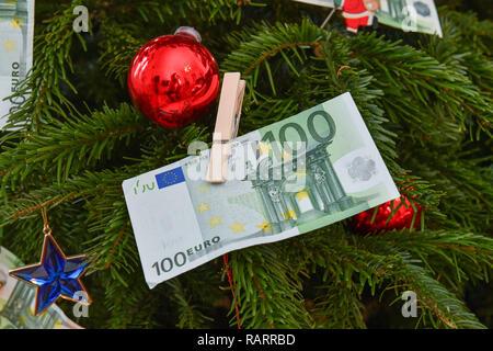 Symbolic photo, gift of money, Christmas, Symbolfoto, Geldgeschenk, Weihnachten - Stock Photo