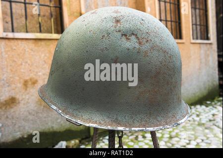 Helmet dating from the war with Serbia for sale, Bascarsija Bazar, Sarajevo, Bosnia and Herzegovina - Stock Photo