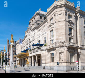 The 18thC Royal Dramatic Theatre (Dramaten), Nybroplan,  Östermalm, Stockholm, Sweden - Stock Photo