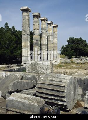 Turkey. Priene. Ancient Greek city of Ionia. The Temple of Athena, founded by Alexander the Great, ca. 340 BC-150 BC. Late Classicism /Hellenism period. Architect: Pytheos. View of the five columns. - Stock Photo