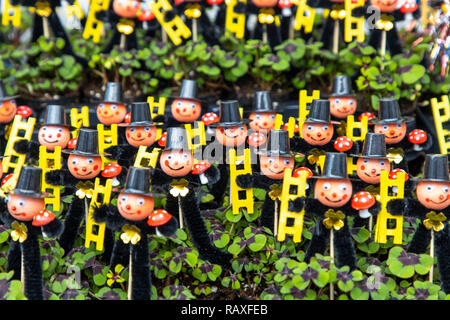Neujahrchen, good luck charm at the beginning of the year, chimney sweep figures with lucky clover plant, - Stock Photo