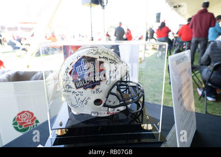 Pasadena CA. 01st Jan, 2019. Signed Hall of Fame helmet at Auction before the Washington Huskies vs Ohio State Buckeyes at the Rose Bowl in Pasadena, Ca. on January 01, 2019 (Photo by Jevone Moore) Credit: csm/Alamy Live News - Stock Photo