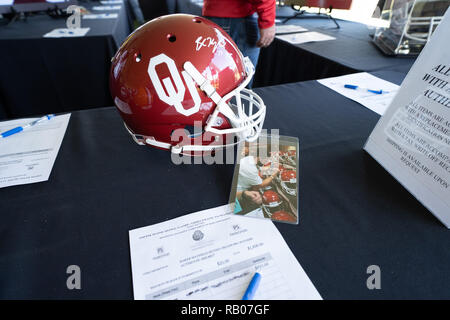Pasadena CA. 01st Jan, 2019. Baker Mayfield signed Oklahoma helmet before the Washington Huskies vs Ohio State Buckeyes at the Rose Bowl in Pasadena, Ca. on January 01, 2019 (Photo by Jevone Moore) Credit: csm/Alamy Live News - Stock Photo
